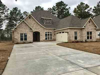 Kathleen Single Family Home For Sale: 130 Hawks Nest Drive