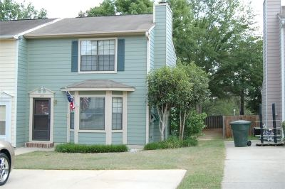Rental For Rent: 112 Carriage Hill Drive