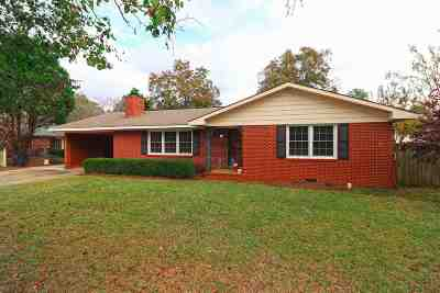 Perry GA Single Family Home For Sale: $160,000