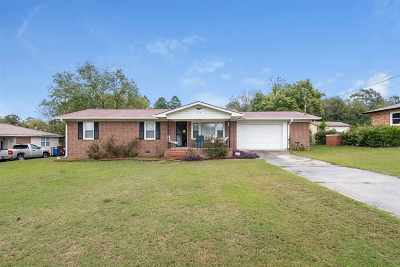 Macon Single Family Home For Sale: 154 Meadow Drive