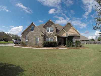Kathleen Single Family Home For Sale: 171 Addington Drive