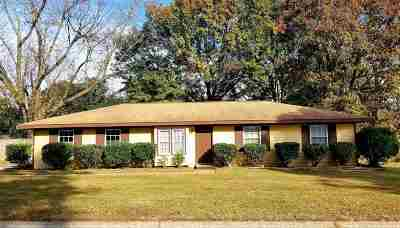 Warner Robins Single Family Home For Sale: 105 Grove Lane
