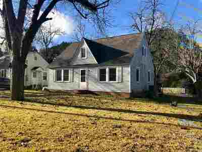 Perry Single Family Home For Sale: 1207 Charles Avenue