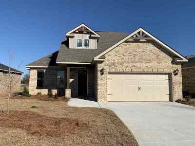 Perry Single Family Home For Sale: 114 Barnyard Way