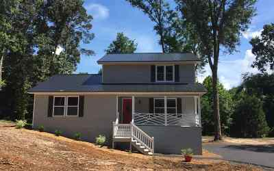 Single Family Home For Sale: 406 Mt Zion Road