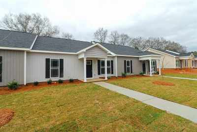 Perry Single Family Home For Sale: 312 Grayton Way