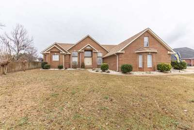Single Family Home For Sale: 103 Elmdale Drive