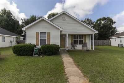 Warner Robins Single Family Home For Sale: 207 Worthington Lane