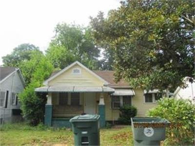 Macon Single Family Home For Sale: 742 Villa Crest Avenue