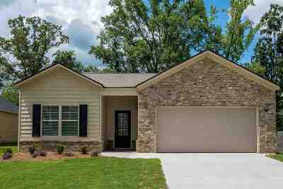 Single Family Home For Sale: 202 Ousley Way