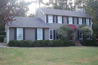Macon Single Family Home For Sale: 721 Summerwind Drive