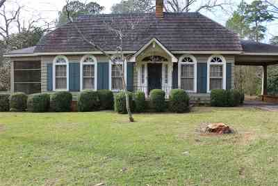 Macon County Single Family Home For Sale: 617 N Dooly Street