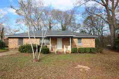 Fort Valley Single Family Home For Sale: 64 Vann Drive