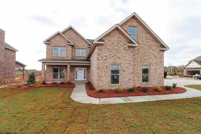 Bonaire Single Family Home For Sale: 301 Harley Farms Drive