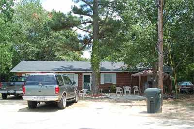 Single Family Home For Sale: 103 Oklahoma Court