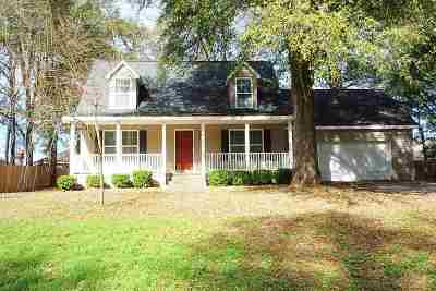 Perry Single Family Home For Sale: 296 Merry Way