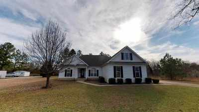 Macon Single Family Home For Sale: 285 Amanda Drive