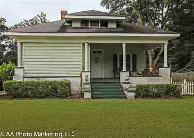 Macon County Single Family Home For Sale: 604 N Dooly Street