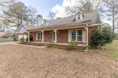 Macon Single Family Home For Sale: 7266 Nob Hill Drive