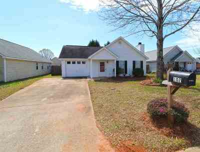 Single Family Home For Sale: 102 Westoak Ct