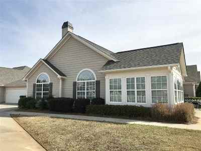 Single Family Home For Sale: 400 Nandina Court