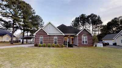 Byron Single Family Home For Sale: 148 Gleneagle Drive