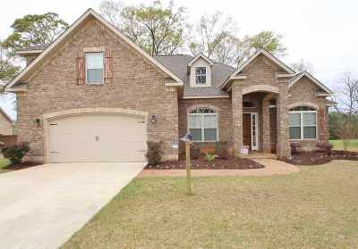 Perry Single Family Home For Sale: 203 Pebble Stone Place