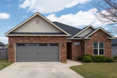 Byron Single Family Home For Sale: 304 Amber Drive