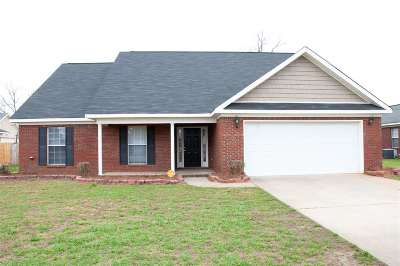 Macon Single Family Home For Sale: 6789 Houston Rd