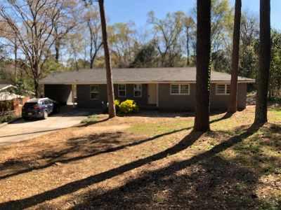 Single Family Home For Sale: 208 Knodishall Drive