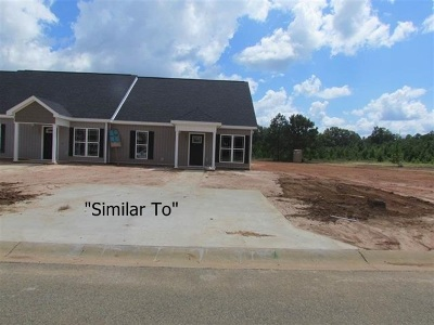 Single Family Home For Sale: 105 Grayton Way