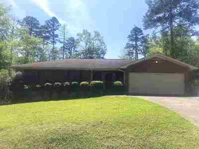 Macon Single Family Home For Sale: 2892 Pinewood Drive
