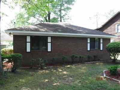 Macon Single Family Home For Sale: 329 Edgewater Drive