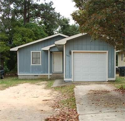 Single Family Home For Sale: 504 King Drive