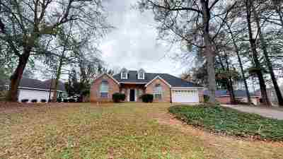 Single Family Home For Sale: 1129 Panola Circle