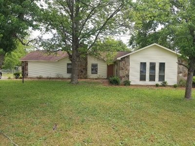 Bonaire Single Family Home For Sale: 103 Foxwood Circle