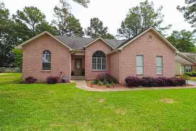 Byron Single Family Home For Sale: 201 Gleneagle Drive