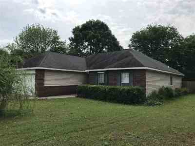 Warner Robins Single Family Home For Sale: 208 Laurel Woods Drive