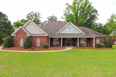 Single Family Home For Sale: 131 Havelock Circle