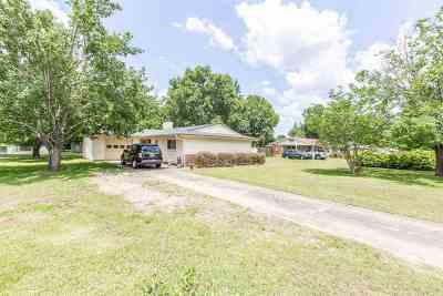 Single Family Home For Sale: 1417 Elizabeth Avenue