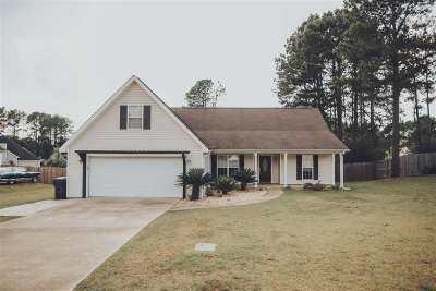 Byron Single Family Home For Sale: 172 Gleneagle Drive
