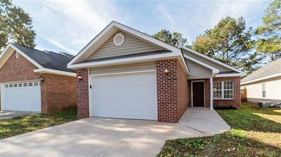 Rental For Rent: 104 Rolling Woods Cir