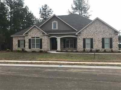 Single Family Home For Sale: 100 Foxberry Nook