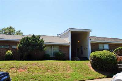 Warner Robins Single Family Home For Sale: 215-B Westcliff Circle
