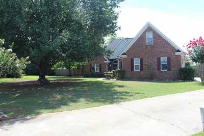 Kathleen Single Family Home For Sale: 112 Canary Circle