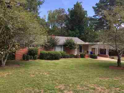 Macon Single Family Home For Sale: 650 Woodridge Drive