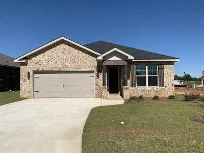 Perry Single Family Home For Sale: 204 Barnyard Way
