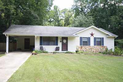 Perry Single Family Home For Sale: 402 Frank Satterfield Road