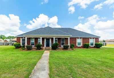 Kathleen Single Family Home For Sale: 157 Addington Drive