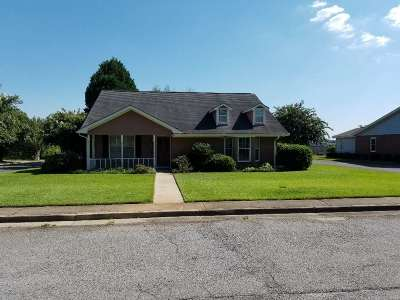 Warner Robins Single Family Home For Sale: 301 Williamsburg Avenue